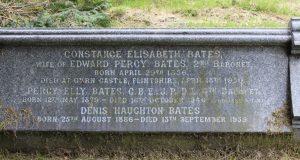 alt='grave_2nd_Baronet'