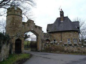 alt='gyrn_castle'