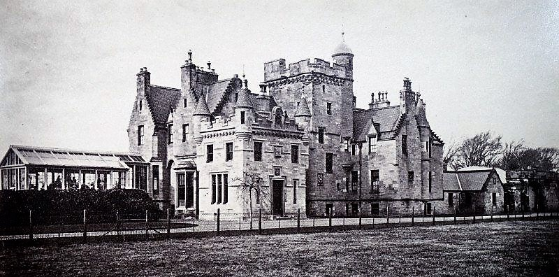 alt='cambusdoon_castle'