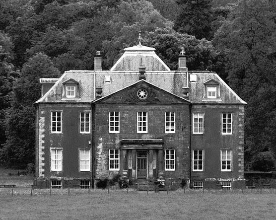 Longformacus House