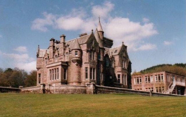 Crawfordton House