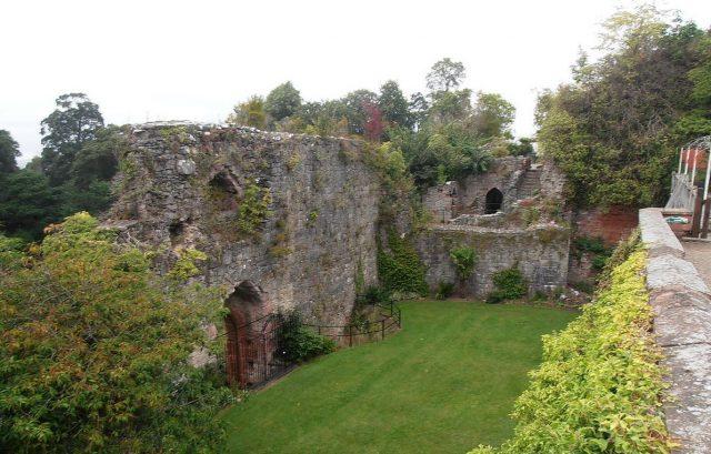Castell Rhuthun